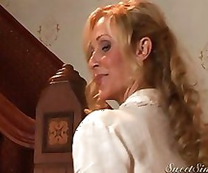 Julia Ann & Xander - My sexy mother's best fr