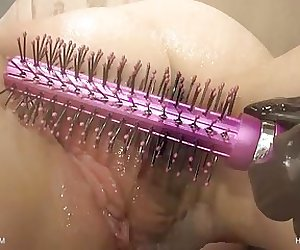 Hairbrush - Jeby - QueenSnake.com - QueenSect.com